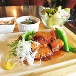 英国パブブービーズ - 豚の角煮和定食 1080円