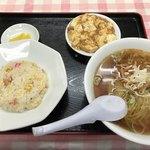 大興飯店 - 料理写真:ラーメン+チャーハン(特注で小)