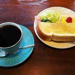 あうる - ストレート珈琲・グアテマラ(400円)、モーニング(お飲み物代+50円)