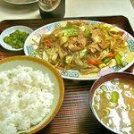 栄楽 - 肉野菜炒め定食