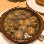 スペイン料理銀座エスペロ - アヒージョ。