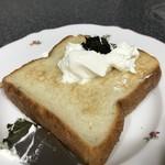 スイミー牛乳店 - 勝手にコラボ!春夏秋冬のパンと自家製バジルソース