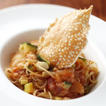 meeno - 渡り蟹のトマトソース フェデリーニ