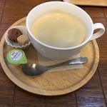カフェ ハナサカジイサン -