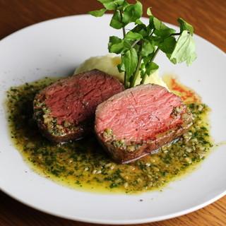赤身の味を上品に味わう…◇絶品国産牛赤身肉のステーキ。