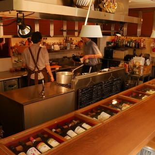 スタイリッシュなオープンキッチン!ライブ感をご堪能ください。