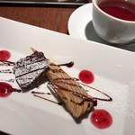 チェターラ - ★★★ デザートと紅茶