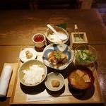 豆腐料理 空野 - 豚の角煮定食1,000円