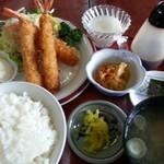 盛岡食堂 - エビフライ 940円