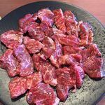 焼肉やまと - 牛焼肉定食W 840円(写真は2人盛り)