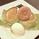 カフェ ドゥ パリ - 抹茶あずきパンケーキ 1400円(税込)