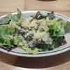 W Steak House - 料理写真:グリルチキン(少量だけど~)とアンチョビ・ガーリックチーズが効いたシーザーサラダ