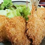 旨い家 - 「一口ひれセット定食(720円税込)」。サックリと揚がっており、美味しかったです~。
