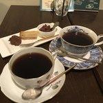 カフェ ド SaRa - ハワイアンブレンドと、コーヒーについてくるお菓子
