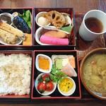 武相荘 - 松花堂弁当   2500円