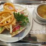武相荘 - 次郎の クラブハウスサンドイッチ  1600円