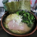 雷家 - ラーメン(中)ほうれん草(800円+100円)