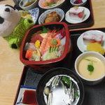 松月 - ちらし寿司ランチ