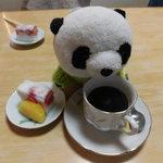 松月 - デザートに珈琲も付いてます