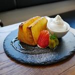 ピースカフェ - 焼きシフォンケーキ