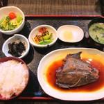 魚良 - 日替わり定食 400円
