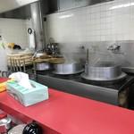 ラーメン福 - 美味しさが見える釜