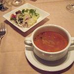 8206024 - スープとサラダ