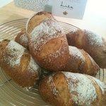 Lila - アプリコットがたくさん入ったパン。