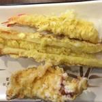 丸亀製麺 - 天麩羅 海老+ちくわ+鶏天