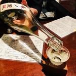 日本酒スタンド 酛 - なみなみ注いでくれる!