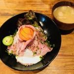 イベリコ豚おんどる焼 裏渋屋 - イベリコ豚コンフィ丼(1,300円)
