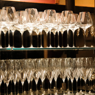 こだわり抜いたワイングラス。ワンランク上級者へ