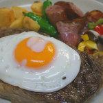 レストラン ベリンバウ - ボリュームも味が自慢!おいしいオーストラリア産唐黍牛