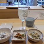 藤よし - 料理写真:お通しとシャンパン