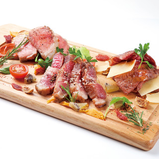【食べるべき一品】スペイン産イベリコ豚の3種盛り合わせ