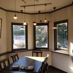 カフェ・エフェメラ - 全席、窓側!アンティークシェード必見!