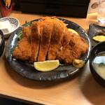 82079143 - とんかつ人参亭(特大ロースカツ定食)