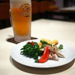 高社郷 - オードブルとビール