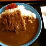 港楽食堂 - 料理写真:カツカレー700円。