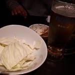 旨唐揚げと居酒メシ ミライザカ - オトウシは味噌とキャベツ!串カツ屋か!(笑)
