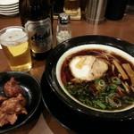 金久右衛門 - 料理写真:大阪ブラック+唐揚げセット+ビール(中瓶)2018.2.10