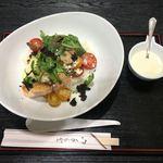ラ フォンターナ アッヅッラ - 「黒岩土鶏のトリュフ丼~7種のイタリアンチーズソース添え」1800円(新宿タカシマヤ「グルメのための味百選」)