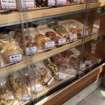 森のパン屋さん - 料理写真:パンいろいろ
