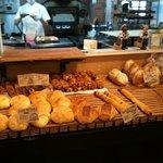 8209038 - 店内のパン1