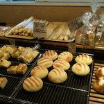 8209039 - 店内のパン2
