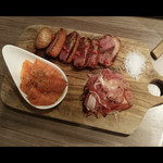 熟成肉バル ワカヤマウッシーナ -