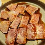 焼肉ホルモンブンゴ - 三角バラ、サーロイン、フランク