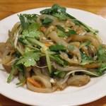 老北京 火鍋料理 蝎子王 - グラゲと野菜の和え物