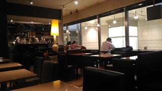 カフェ&ブックス ビブリオテーク 福岡・天神