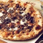 オービカ モッツァレラ バー - Pizzaタルトゥーフォ